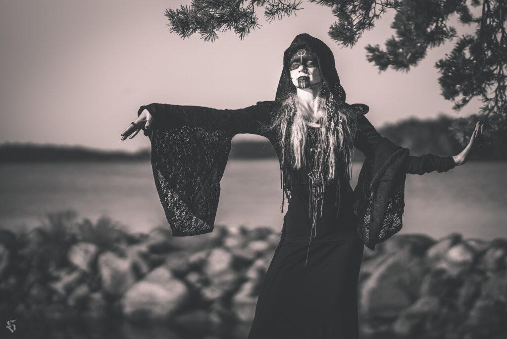 Model - Anni Dohlen